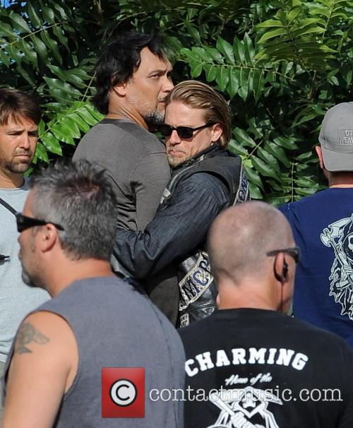 Charlie Hunnam and Jimmy Smits 12