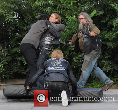 Charlie Hunnam, Jimmy Smits and Mark Boone Junior 3