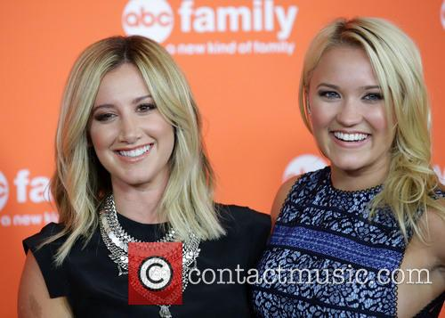 Ashley Tisdale and Emily Osment 11