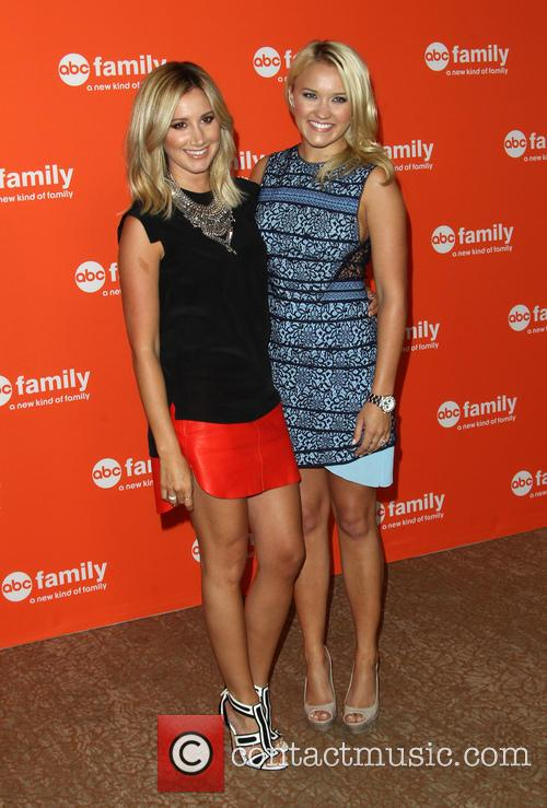 Ashley Tisdale and Emily Osment 7