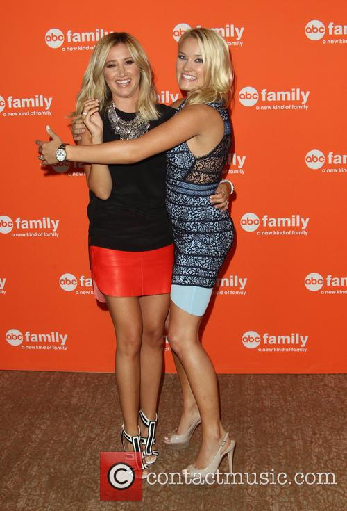 Ashley Tisdale and Emily Osment 9