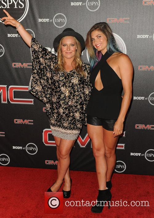 Julia Mancuso and Jamie Anderson 1