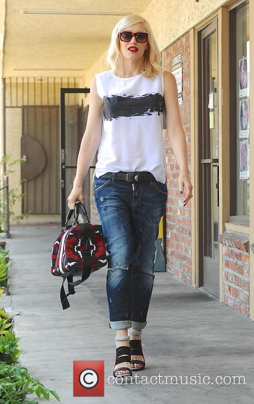 Gwen Stefani leaves her acupuncture appointment