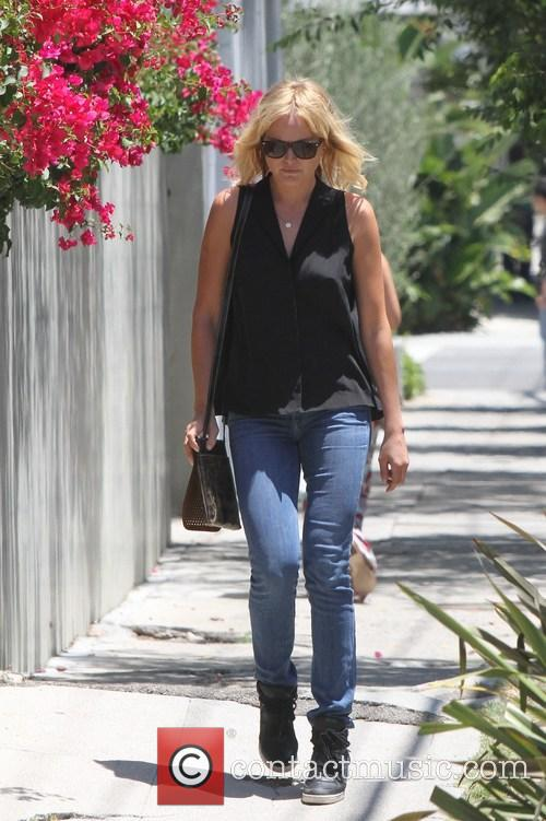 Malin Akerman goes out to lunch with a friend