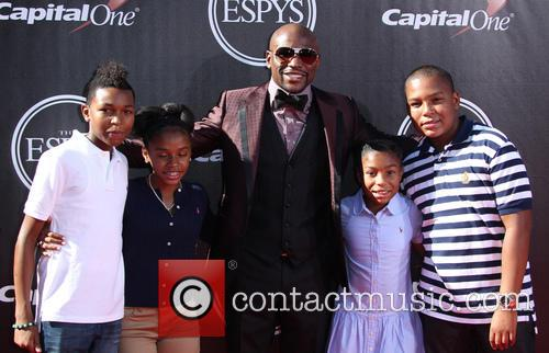 Floyd Mayweather Jr and Family 3