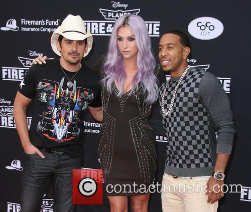 Brad Paisley, Kesha and Ludacris 4