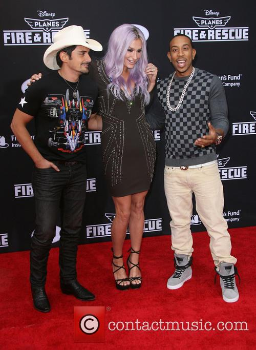 Brad Paisley, Kesha and Ludacris 9