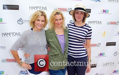 Julie Bowen, Ali Wentworth and Christa Miller 6