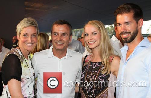 Boddo Uebber, Finanzvorstand Daimler Mit Ehefrau and Zetsche Gregor 3