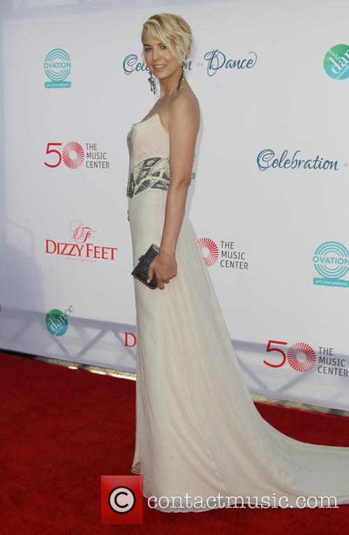 Jenna Elfman 16