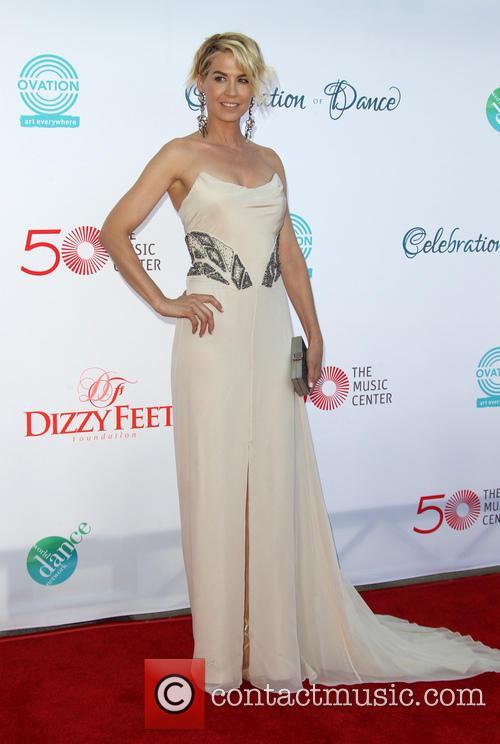 Jenna Elfman 17
