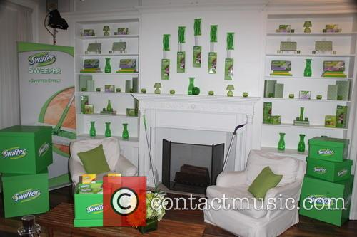 Swiffer's Spotlight Cleaning Conversations - Arrivals