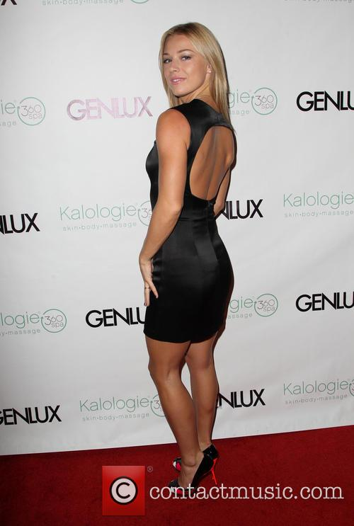 Nikki Leigh 2