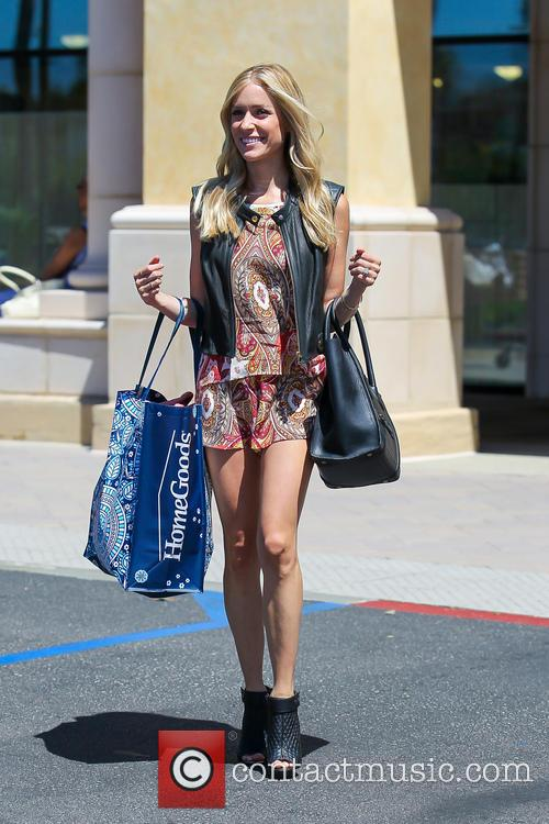 Kristin Cavallari, looking very stylish, goes shopping at...