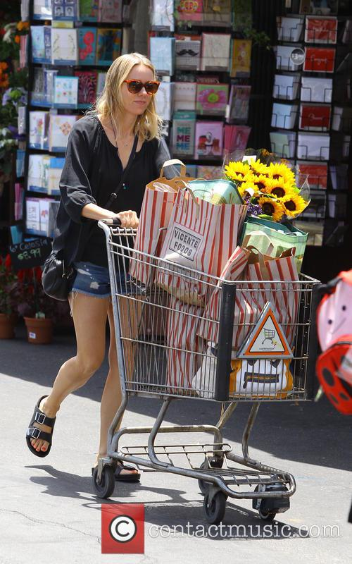 naomi watts naomi watts spotted shopping at 4302008