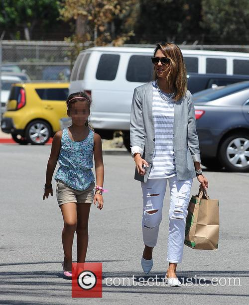 Jessica Alba spotted at Mrs. Winston's Green Grocery...