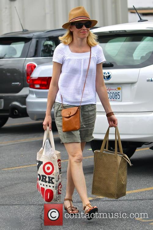 elizabeth banks elizabeth banks shopping at the 4303363