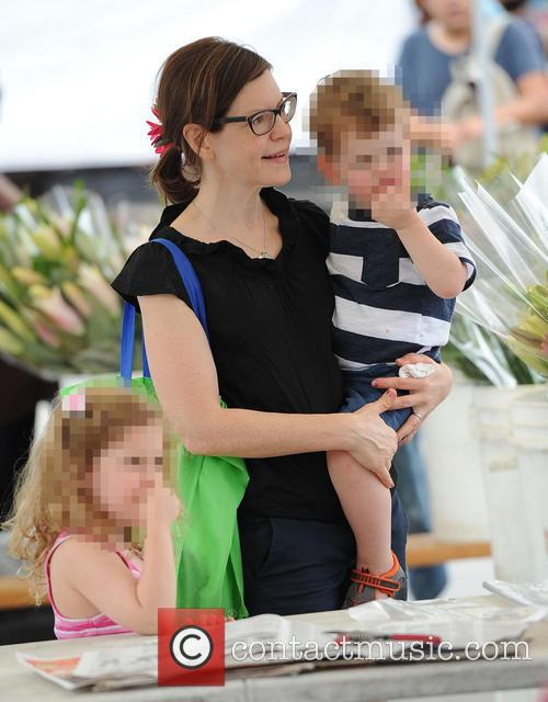 Lisa Loeb takes her children to the Farmer's...