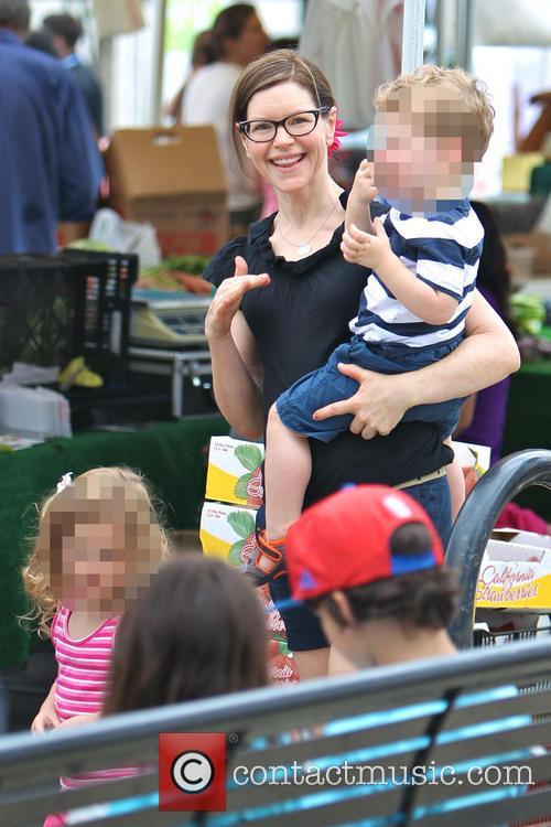 Lisa Loeb at Studio City Farmers Market