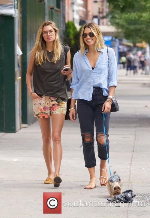 Jessica Hart and Ashley Hart 25