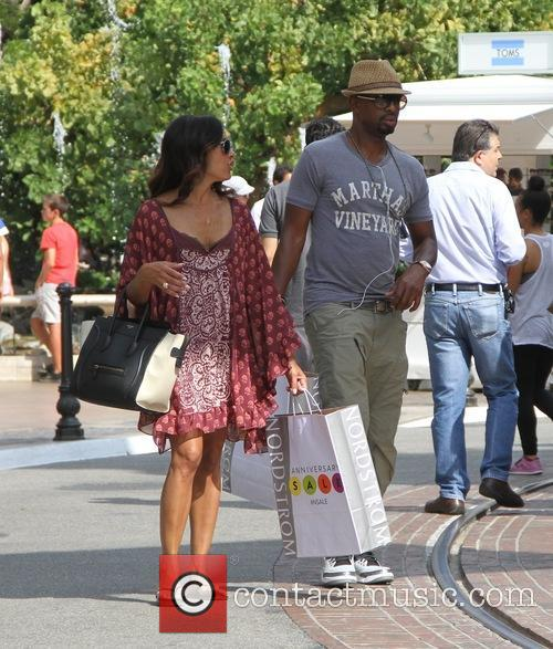 Bill Bellamy shopping at The Grove