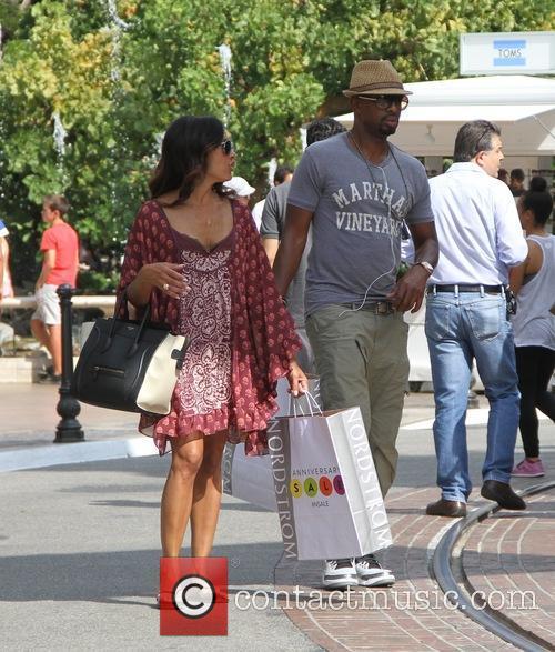 Bill Bellamy shopping at The Grove