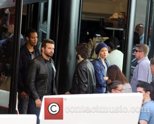 Sienna Miller and Bradley Cooper 5