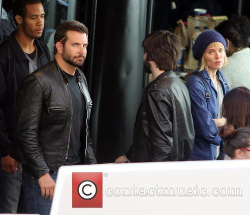 Sienna Miller and Bradley Cooper 9