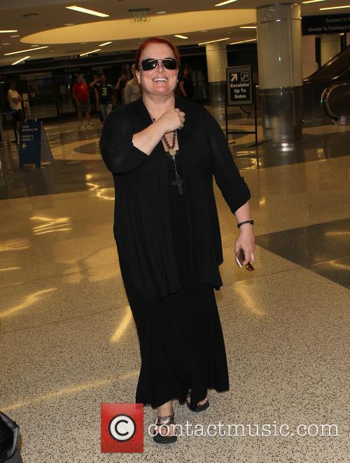Wynonna Judd, Los Angeles International Airport (LAX)