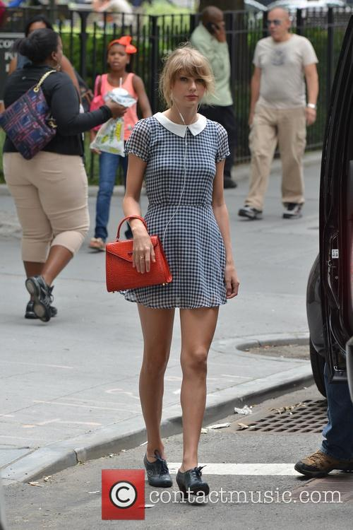 taylor swift taylor swift out and about 4309211