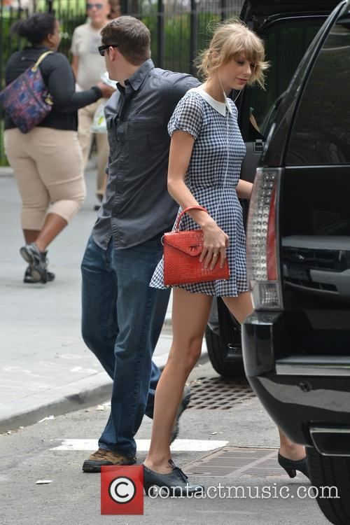 taylor swift taylor swift out and about 4309216