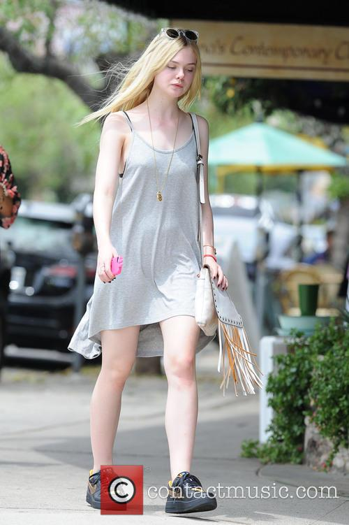 elle fanning elle fanning spotted out in 4310382