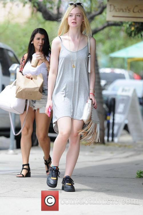 elle fanning elle fanning spotted out in 4310385