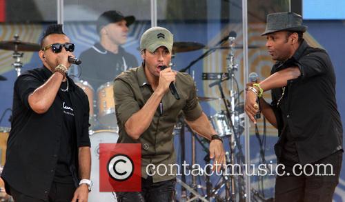 Enrique Iglesias and Sean Paul 2
