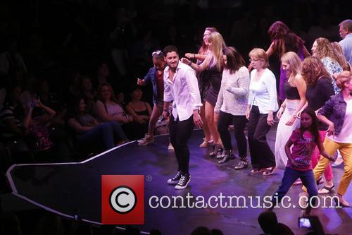 Val Chmerkovskiy and Audience Members 3