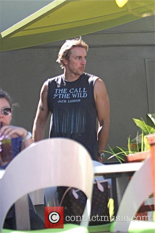 Dax Shepard grabs lunch at Lemonade