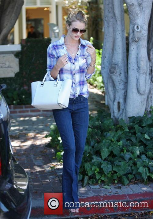 Rosie Huntington-Whiteley goes for shopping