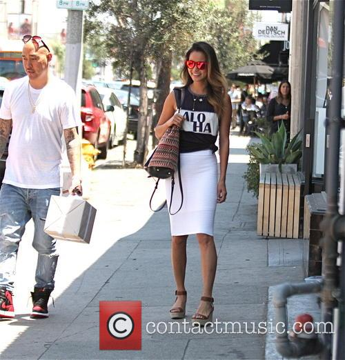 Jamie Chung and Bryan Greenberg have lunch with...