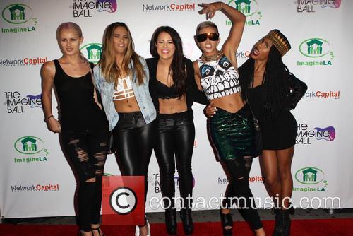 Simone Battle, Lauren Bennett, Emmalyn Estrada, Natasha Slayton, Paula Van Oppen and G.r.l 2