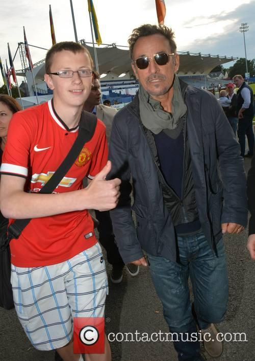 Bruce Springsteen and Fan 9