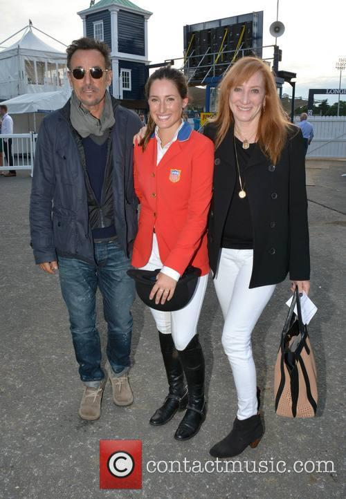 Bruce Springsteen, Jessica Springsteen and Patti Scialfa 6