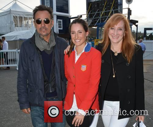 Bruce Springsteen, Jessica Springsteen and Patti Scialfa 8