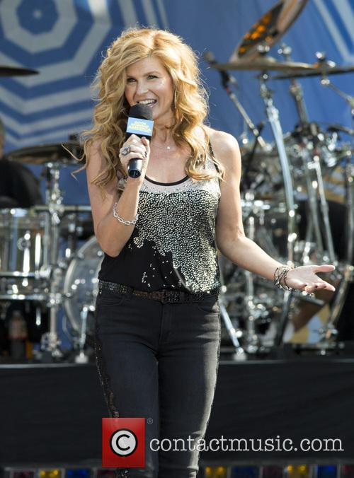 Connie Britton 3