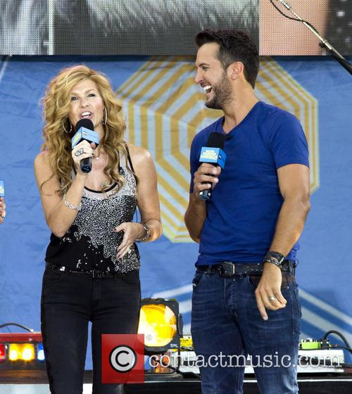 Connie Britton and Luke Bryan 4
