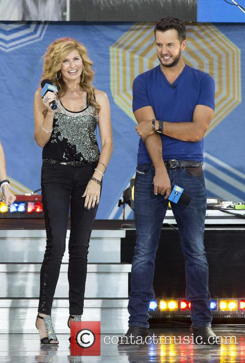 Connie Britton and Luke Bryan 5