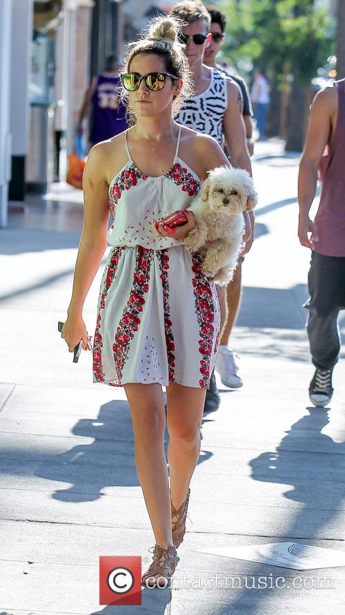 Ashley Tisdale, Maui