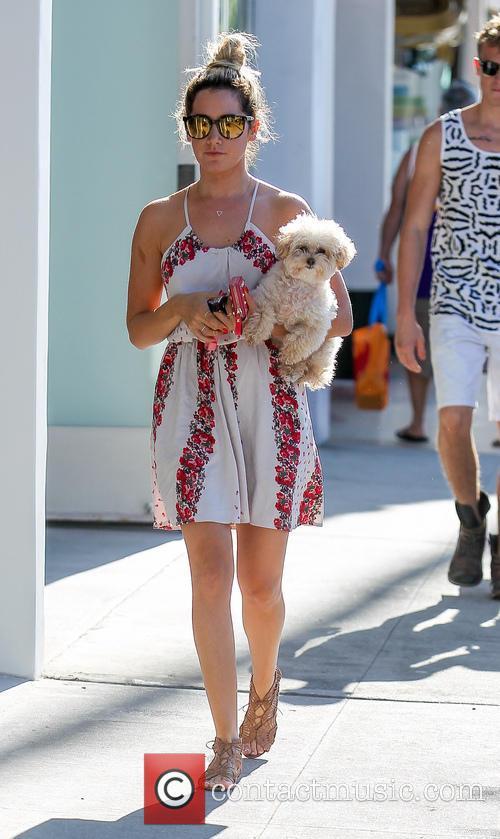 Ashley Tisdale and Maui 22