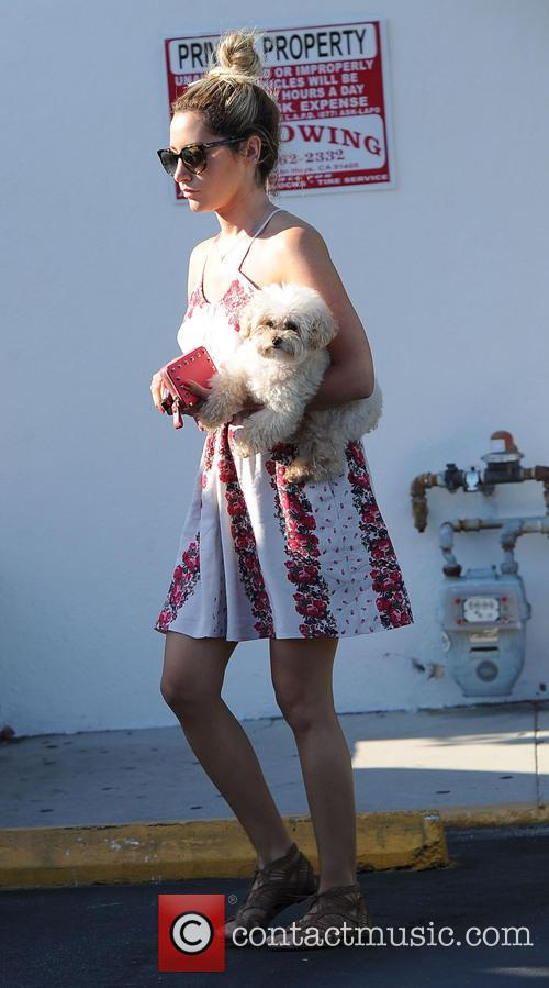 Ashley Tisdale and Maui 5