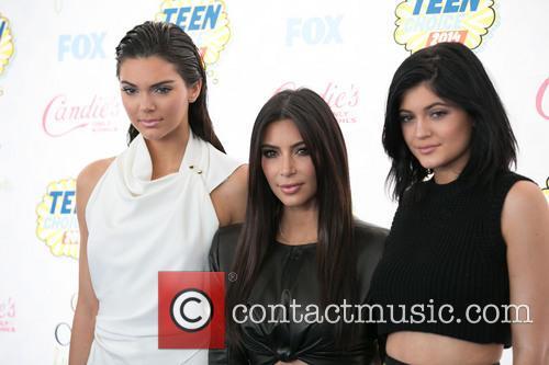 Kendall Jenner, Kim Kardashian and Kylie Jenner 7