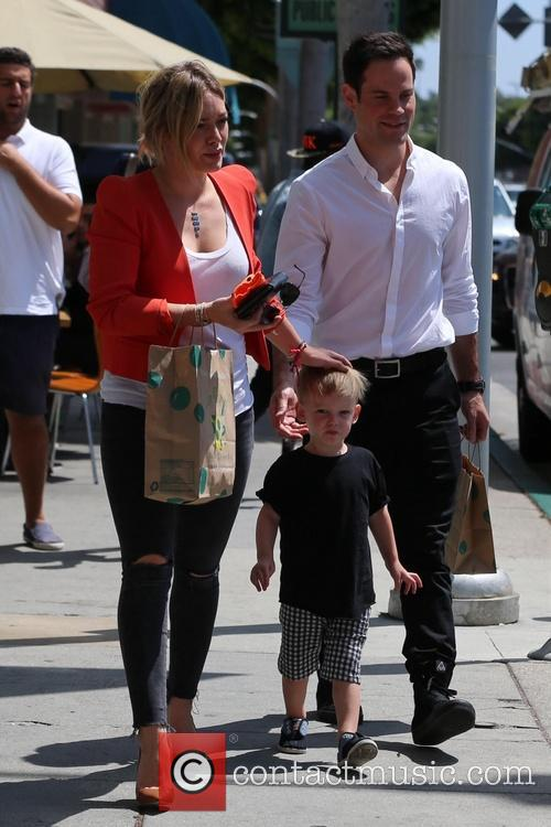 hilary duff luca comrie mike comrie hilary duff spotted 4321713
